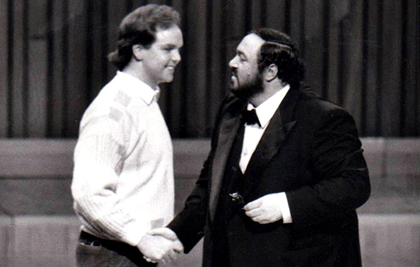 Anthony Michaels-Moore and Luciano Pavarotti during a Masterclass at the Barbican in London, 1986.
